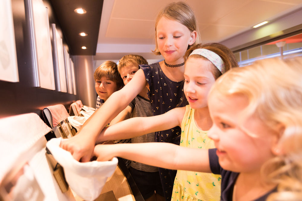 Try Haubis bread while visiting Haubiversum with school classes.